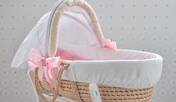 How to Choose the Perfect Bassinet
